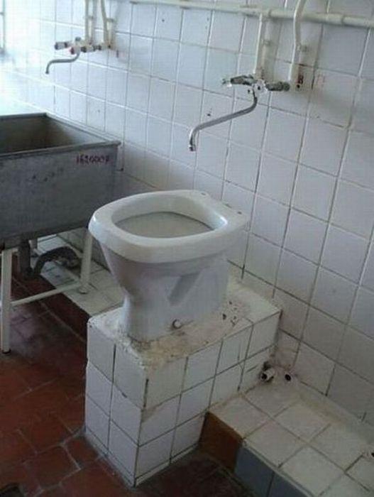 построили туалет раковина кран фотоприкол