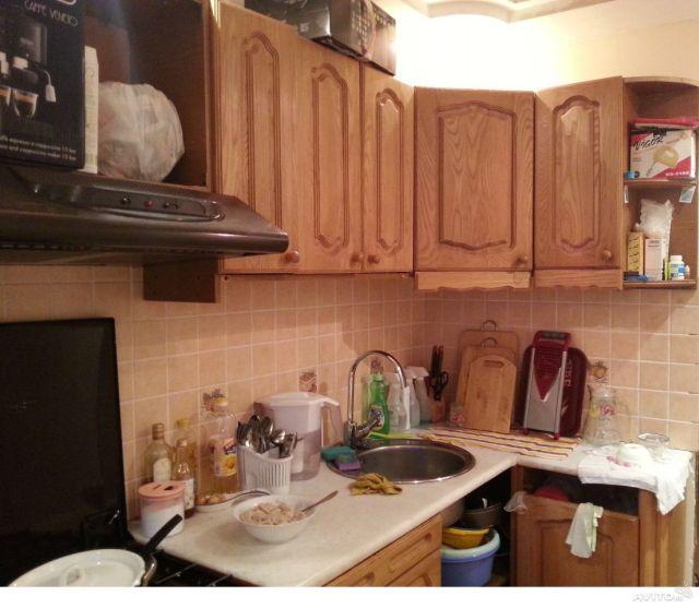 бардак на кухне при фотографировании квартиры на продажу