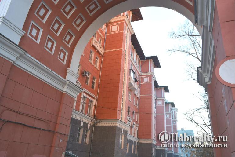 5-этажный сталинский дом фото двора