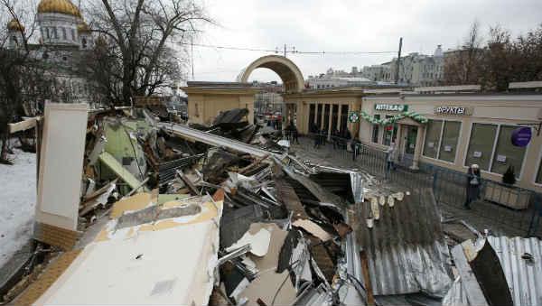 В Москве снесли торговые павильоны, в том числе законно построенные