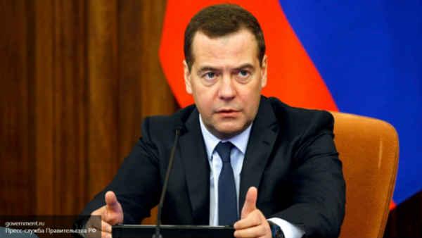Медведев пообещал отсрочить рост тарифов ЖКХ для квартир без счетчиков