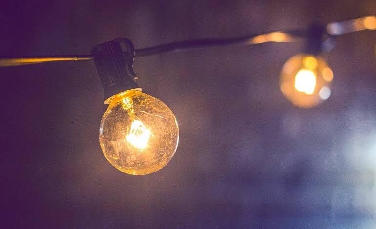 Президент подписал закон о повышении цен на электричество