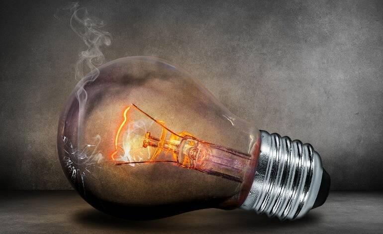 В России начали отключать свет должникам