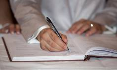 Стоит ли заключать договор с риэлтором на продажу квартиры?