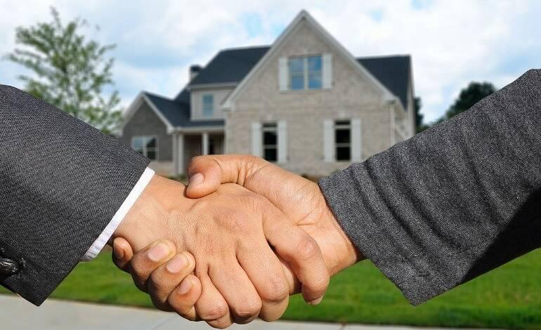 Как продавать квартиру через риэлтора