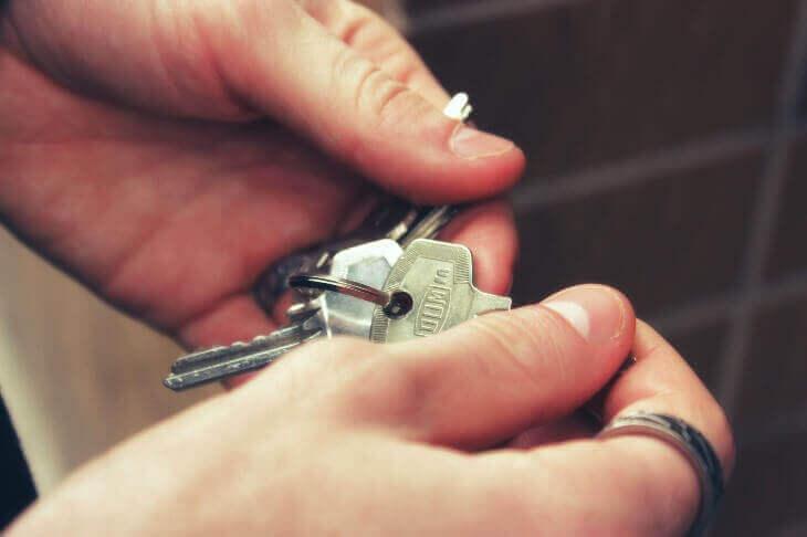 исполненная рента риски покупки квартиры