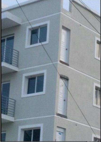 отсутствуют балконы двери стена юмор